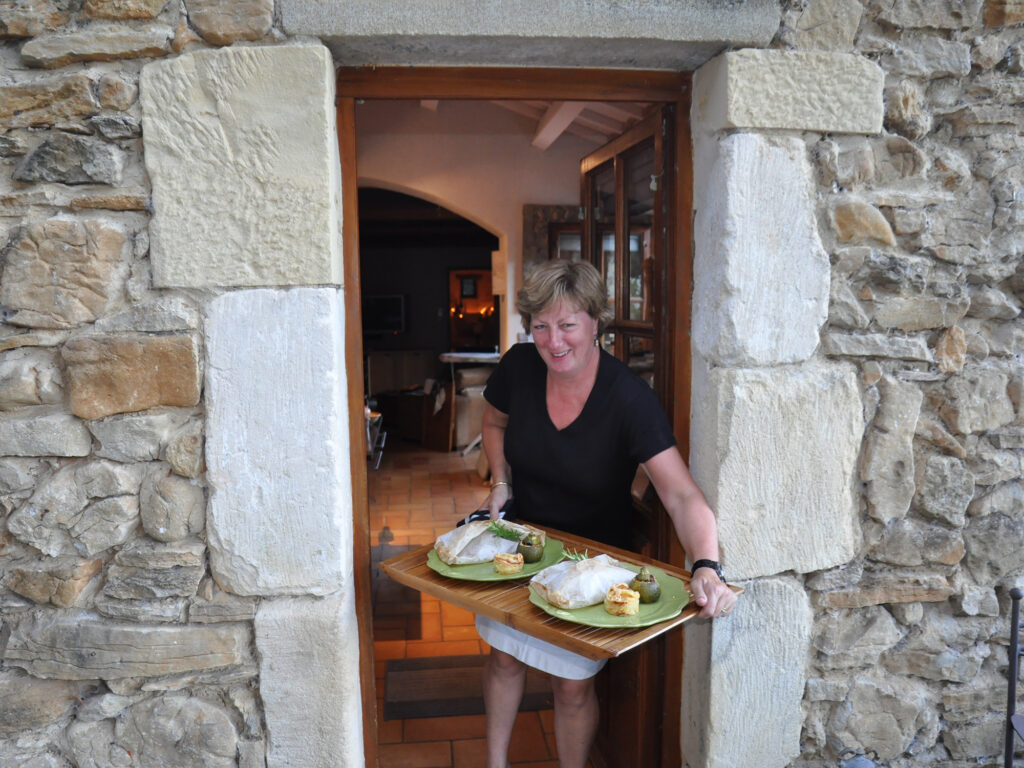 Polly is your cook for table d'hôtes and private dining