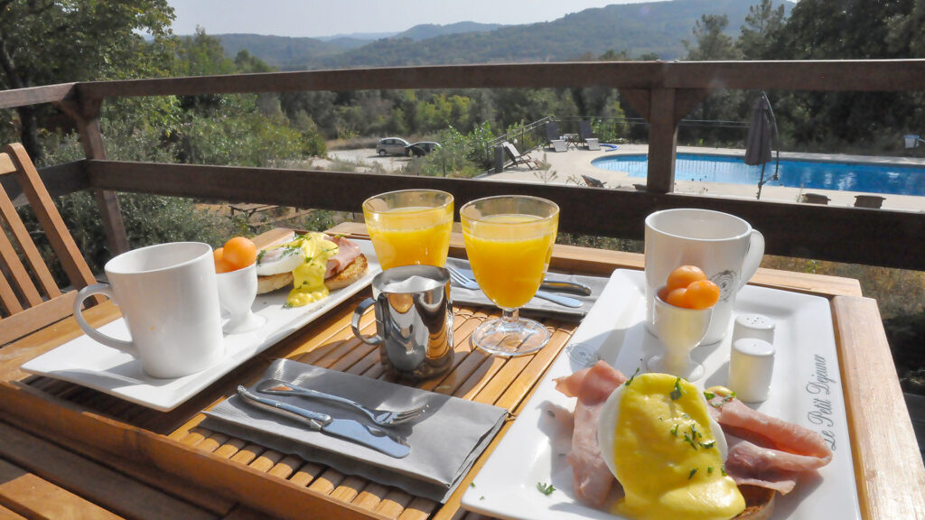 Breakfast included for tents - ImagineFrance